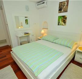 2 Bedroom Villa with Infinity Pool in Bol, Brac Island, sleeps 4