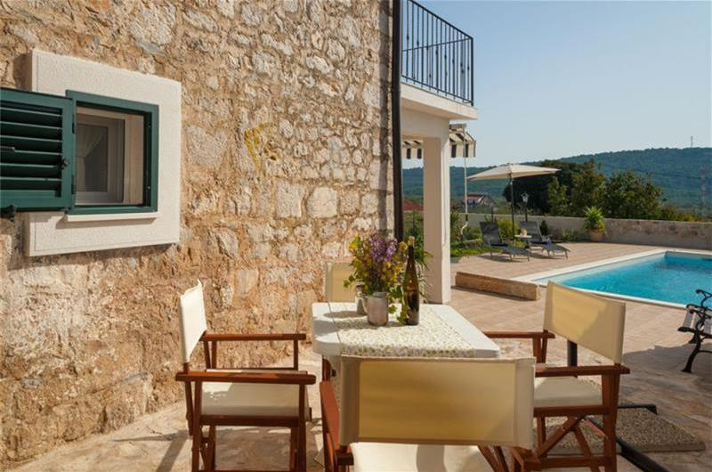 2 Bedroom Villa with Heated Pool in Solta Island, sleeps 4-6