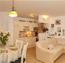2 Bedroom Villa with Heated Pool in Solta Island, sleeps 4-6