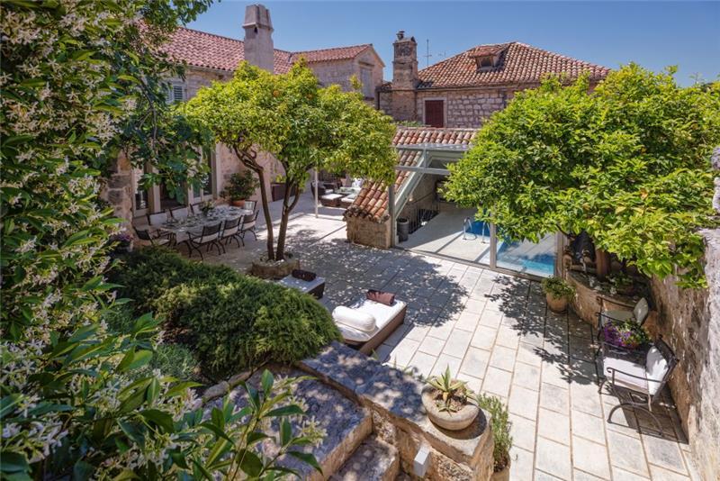 5 Bedroom Luxury Villa with Pool in Hvar Town, sleeps 10