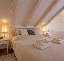 5 Bedroom Luxury Villa with Pool in Hvar Town, sleeps 10