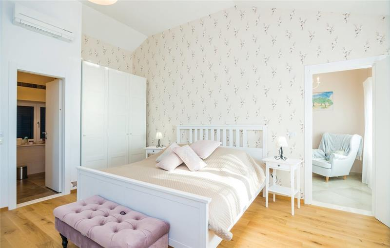 3 Bedroom Villa with Pool in Brsecine near Dubrovnik, sleeps 5-7