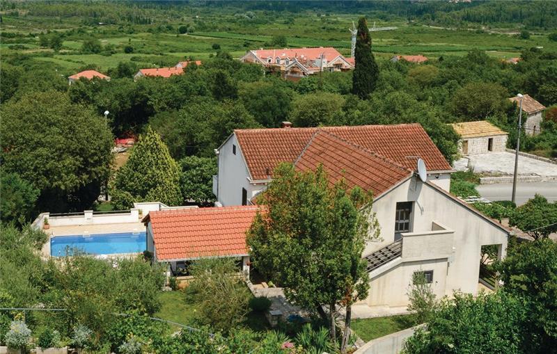 4 Bedroom Villa with Pool in Gruda, Konavle Valley, sleeps 8-10