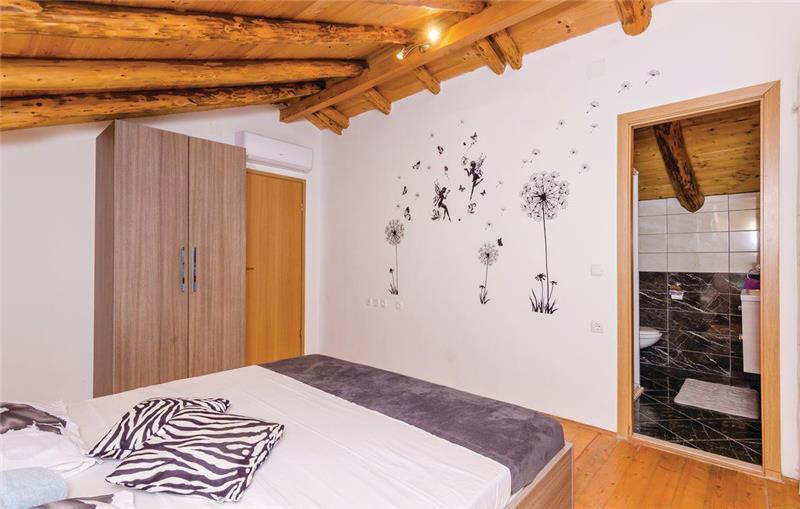 3 Bedroom Villa with Pool in Vodovada, Konavle Valley, sleeps 6-8