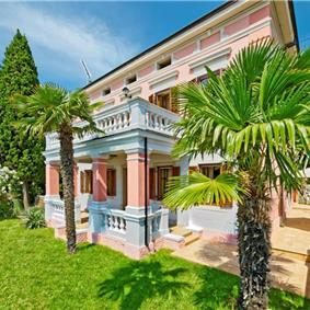 4 Bedroom Villa with Pool and Sea Views in Moscenicka Draga, Kvarner Gulf, sleeps 7