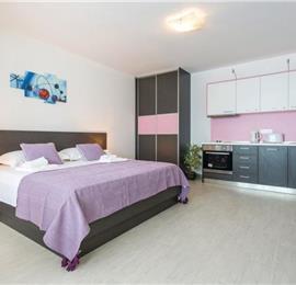 4 Bedroom Villa with Pool in Radovcici, sleeps 8 - 12