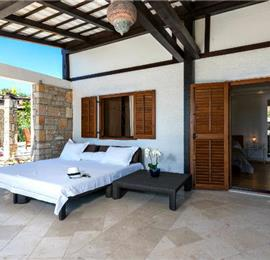 4 bedroom Luxury Villa on Brac, Sleeps 8-10