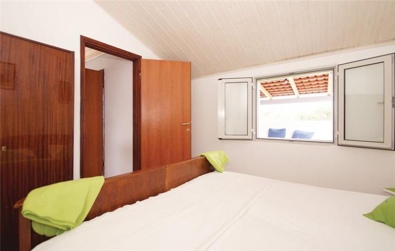 4 Bedroom Villa with Pool in Stratincica Bay, Korcula Island, sleeps 7