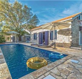 2 Bedroom Villa with Pool and Sea View in Pridraga, sleeps 4-8