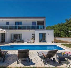 4 Bedroom Villa with Pool in Vinez near Labin, sleeps 8