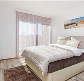 4 Bedroom Villa with Pool in Vinez near Labin, sleeps 8