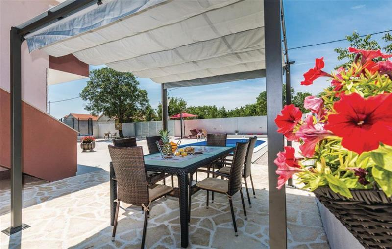 3 Bedroom Villa with Pool in Paljuv near Zadar, sleeps 7-8