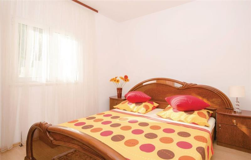 4 Bedroom Villa with Pool and Sea View in Seget Donji, sleeps 8-10