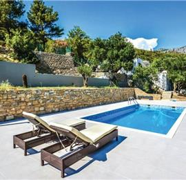2 Bedroom Villa with Pool in Zrnovica near Split, sleeps 4-5