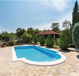2 Bedroom Villa with Pool on Krk Island, sleeps 4-5