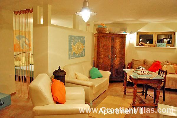 1 Bedroom Apartments nr Vela Luka on Korcula, Sleeps 2-4