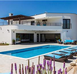 Luxury 5 Bedroom Villa with Pool, Tennis Court and Mini Golf near Svetvincenat, Istria, sleeps 12-14
