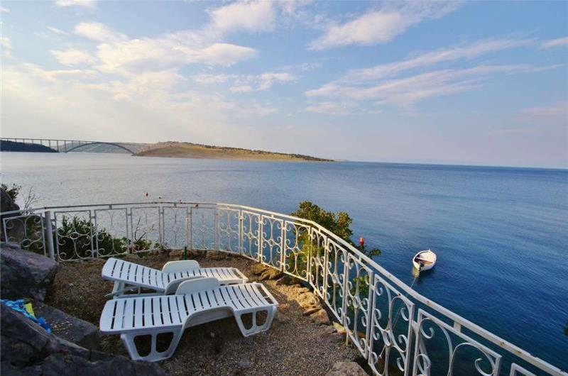 1 Bedroom Apartment near Crikvenica, Sleeps 2-4