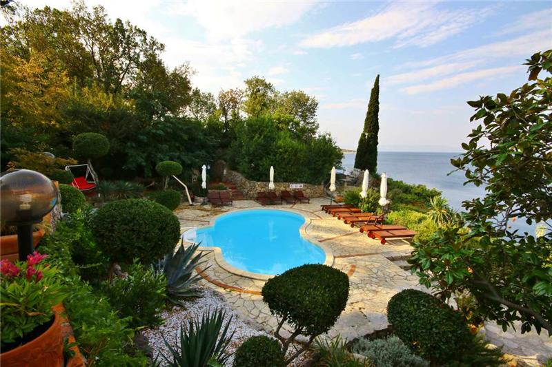 Holiday Bungalow to Rent with Pool near Crikvenica, Kvarner