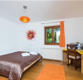 4 Bedroom Villa with Pool and Sea Views near Opatija, sleeps 8