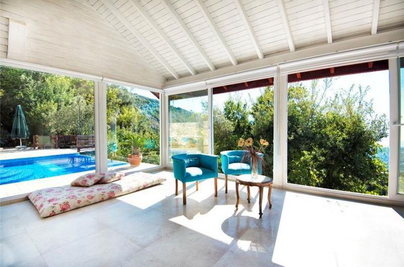 1 Bedroom Villa with Pool in Kalkan, Sleeps 2