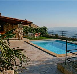 2 bedroom Villa with pool near Crikvenica, Sleeps 4