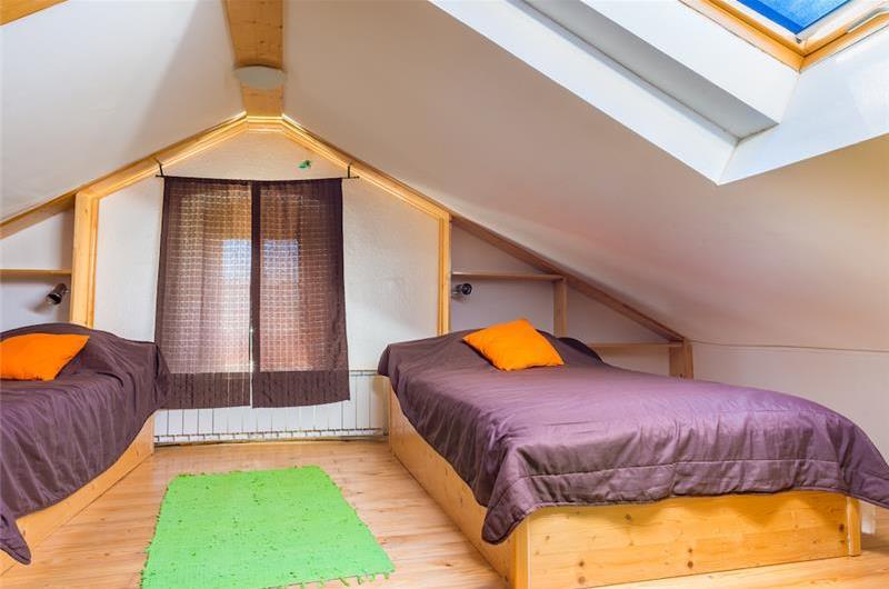 3 bedroom Villa with pool near Crikvenica, Sleeps 6