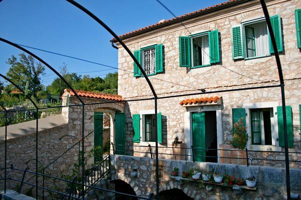 7 bedroom Villa with Pools near Crikvenica, Sleeps 14