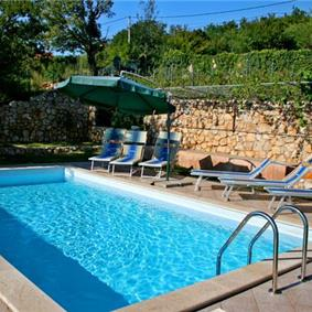 4 bedroom Villa with Pool near Crikvenica, Sleeps 8