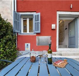 2 Bedroom Townhouse with Terrace in Rovinj, Sleeps 4-6