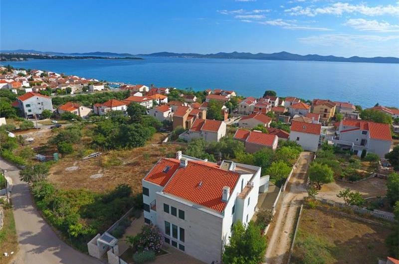 6 Bedroom Villa with Pool in Zadar, Sleeps 12 - 16