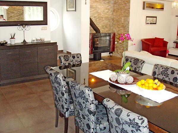 4 bedroom Villa with Pool and Tennis court near Opatija, Sleeps 8-11