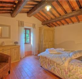 3 Bedroom Villa with Pool near Castiglion Fiorentino in Tuscany, Sleeps 6-8