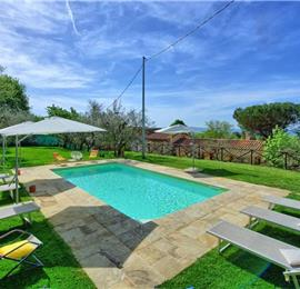 7 Bedroom Villa with Pool near Loro Ciuffenna in Tuscany, Sleeps 14