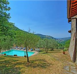 6 Bedroom Villa with Pool near Rinforzati in Tuscany, Sleeps 12