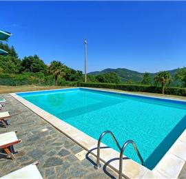 4 Bedroom Villa with Pool near Torreone, Sleeps 8-12