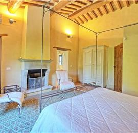 4 Bedroom Villa with Pool near Monterchi, Sleeps 8