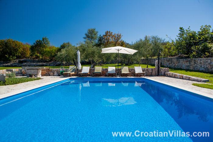 3 Bedroom Villa with Pool near Malinska, Krk, Sleeps 6-8