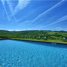 7 Bedroom Villa with Pool near Sarteano in Tuscany, Sleeps 14