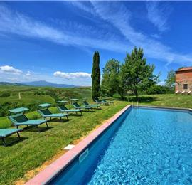 7 Bedroom Villa with Pool near Fonte Vetriana in Tuscany, Sleeps 14