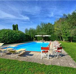 5 Bedroom Villa with Pool near Lucca in Tuscany, Sleeps 10