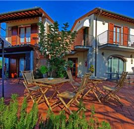 4 Bedroom Villa with Pool in Creato in Tuscany, Sleeps 8