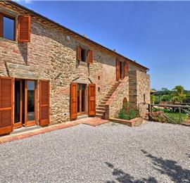 3 Bedroom Villa with Pool near Cortona, Sleeps 6-8
