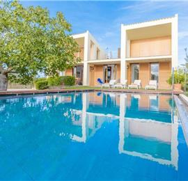 2 Bedroom Villa with Pool near Port D'Alcudia, Sleeps 4