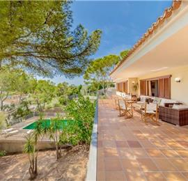 6 Bedroom Villa with Pool near Portals Nous, Mallorca, Sleeps 12