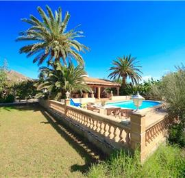 2 Bedroom Villa with Pool in Port de Pollensa, Sleeps 4