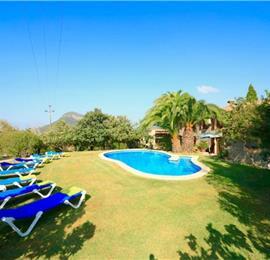 4 Bedroom Villa with Pool near Pollensa, Mallorca, Sleeps 8