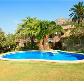 4 Bedroom Villa with Pool near Pollensa, Mallorca, Sleeps 8
