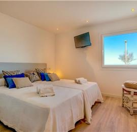 4 Bedroom Seafront Villa in Can Picafort, Sleeps 8