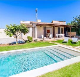1 Bedroom Villa with Pool in Pollensa, Mallorca, Sleeps 2